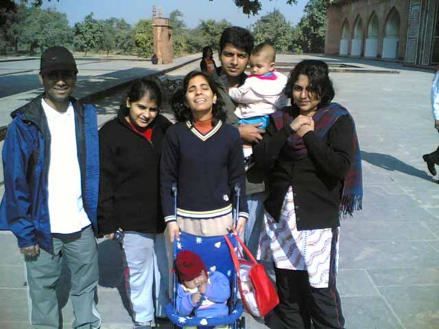 10 Jan 2006 Agra gang includes Adi